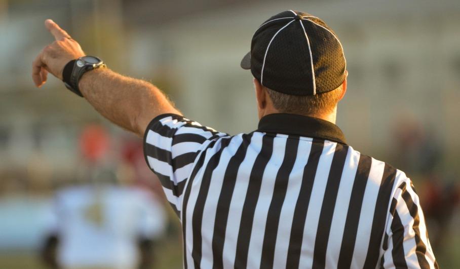 referee-1149014_1280.jpg